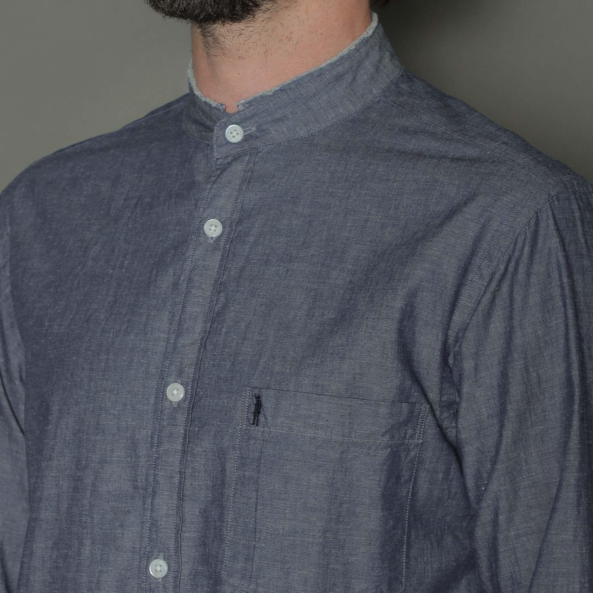 インディゴシャンブレーバンドカラーシャツ