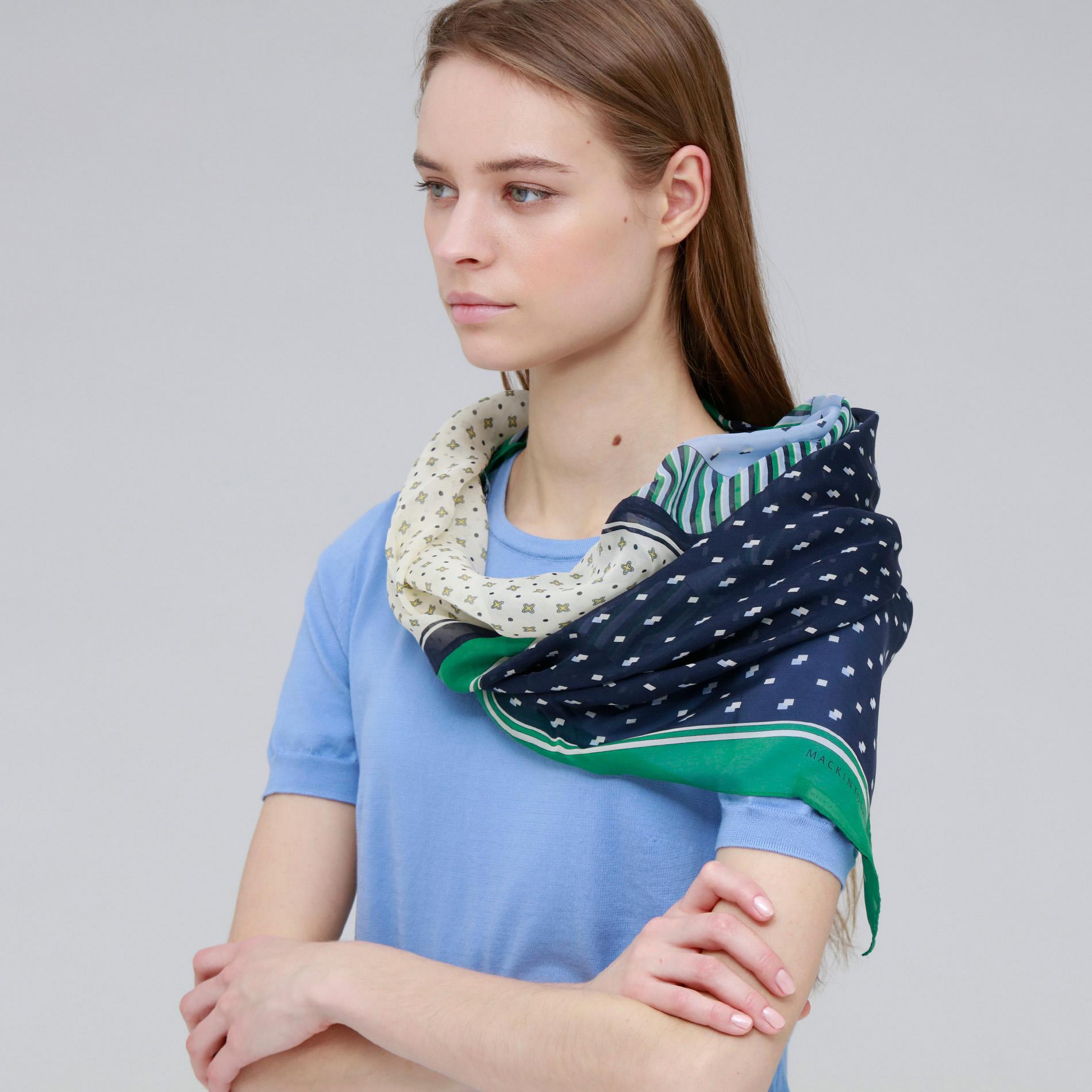 ジオメトリック柄スヌードスカーフ