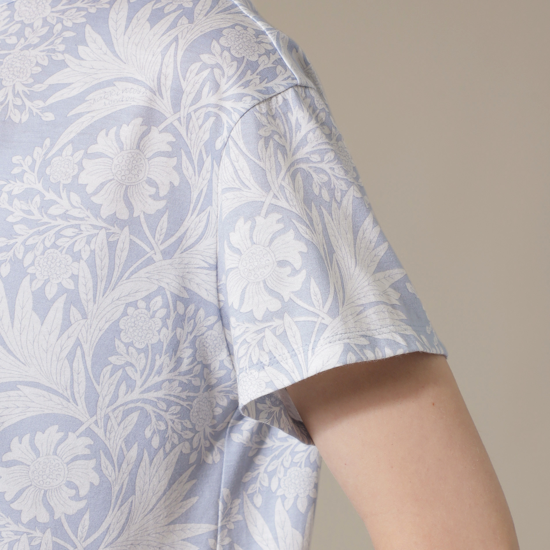 【BIBURY FLOWER】プリントTシャツ